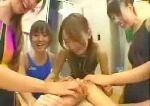 競泳水着の集団痴女