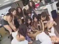 催眠術で女子社員を洗脳しハーレム状態