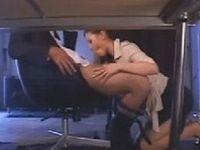 部下に美人秘書とのセックスを見せつける