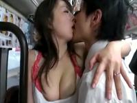 満員バスで密着して誘う巨乳若妻