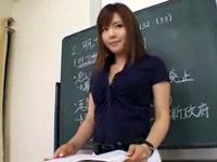 男子をたぶらかす誘惑エロ痴女教師