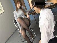 放課後の淫乱痴女教師がお気に入りの生徒を呼び出し