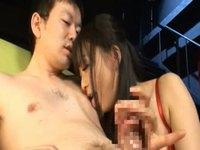 痴女な美少女に乳首を舐められながらチ○ポを弄ばれる