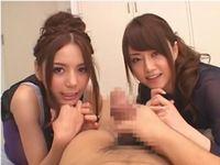 2人の美人痴女優「見せてよ。丸見えだ♪」