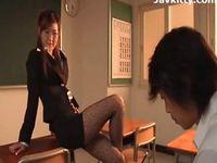 エロい痴女教師から誘惑されてセックス