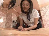 ち○ぽサロンで肉棒を丁寧に磨き上げる美人な2人の痴女セラピスト