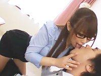 激エロくて美人な家庭教師のお姉さんのフェラで口内発射