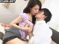 友人の美人ママは誘惑してきてセックスで慰めてくれる