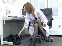 高飛車な美人女医が快楽中毒の性玩具と変貌した