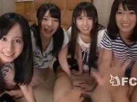 AVを見てオナニー中に4人のかわいい姉妹に見つかりハーレム状態に