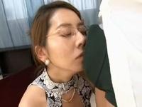 ち○ぽが大好きで匂いを嗅いで興奮するド淫乱な女