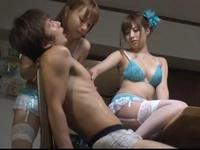 美少女2人から体中をエッチに舐め回されるハーレムセックスがヤバい
