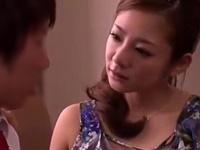 「こうして欲しいんでしょ?」娘の彼氏をドロドロに誘惑しちゃうフェロモンむんむんな人妻!