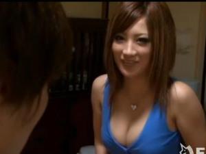 夜中に上司の娘が夜這いを仕掛けて来て逆レイプ同然でセックスした