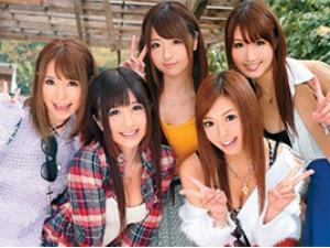 卒業旅行で温泉に来た女子大生5人組は旅先で会う男を食べまくる 大森玲菜 大槻ひびき 初美沙希 瀬名あゆむ 舞咲みくに