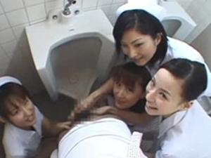 男子トイレに入ってきて患者のチ○ポを弄ぶ痴女ナースたち 瑞樹なな 柿本彩菜 相沢夏海 高瀬あすか