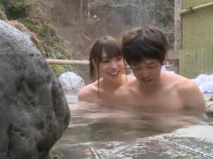混浴露天風呂で逆ナンして来た美人お姉さんの巨乳と巨根 ゆきのあかり