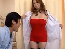 【痴女医】白衣の下にはノーパン姿で淫らに患者を誘惑し精子がカラになるまでスキ尽くす!