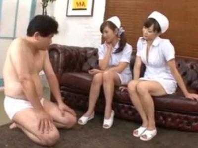 痴女ナースがM男に白衣を着衣のまま足責めするCFNM動画 結城みさ 堀口奈津美
