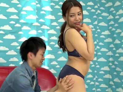 女性と知り合えるかなとヨガ教室に行ったら痴女なインストラクターに何度も射精させられた 小早川怜子