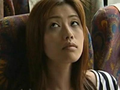 バスの中で男を手コキする痴女を目撃したので自分もして欲しくて近くに行ってみた結果 ヘンリー塚本 ささきふう香