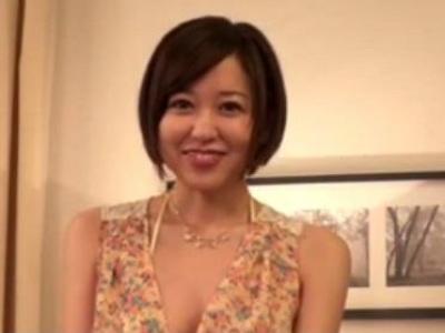 ザーメン大好き痴女がエロフェラで精液を搾り取ってごっくんしちゃう 篠田ゆう