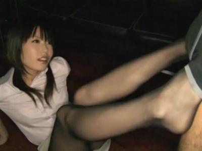 パンストを盗んだN男の部下に足コキとバキュームフェラでお仕置きする美人な痴女上司 有村千佳