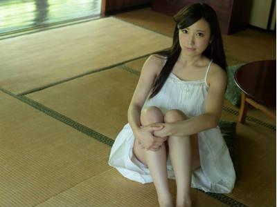 18歳の清楚でロリ系美少女は見かけよりも性欲が強く変態な願望を持ってるらしいです 西野希