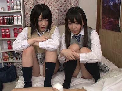 クラスの女子2人にオナニーを見せるように強要されてセンズリ鑑賞された結果