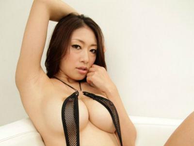 「あなたのチンポはどんな感じ?」就職活動中の若い男をドスケベ淫語でセックス面接する熟痴女 小早川怜子