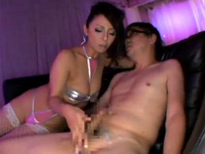 ムチムチ巨乳熟女のエロボディコン痴女に手コキフェラでザーメンを搾り取られる 村上涼子