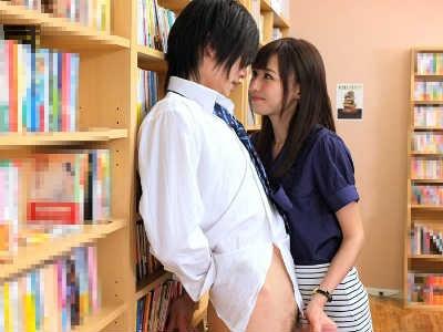 生徒を誘惑するタイトスカートのパンスト美脚な美人痴女教師の性欲が凄い 希志あいの