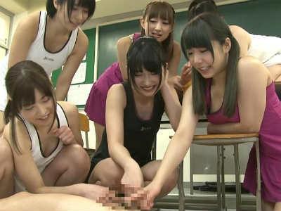 女子テニス部の部員たちに集団でイジメられ放尿プレイをされるドMなボク 杏咲望 里咲しおり 阿部乃みく 彩城ゆりな 若月まりあ 早瀬ありす