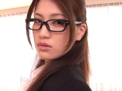 ハイスペックな秘書が体を使って溜まった性欲を処理する仕事をする 藤井レイナ