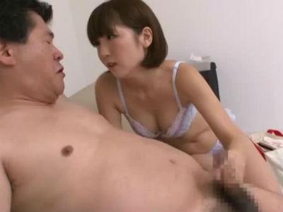 見つめてシゴくエッチな乳首舐め手コキフェラ