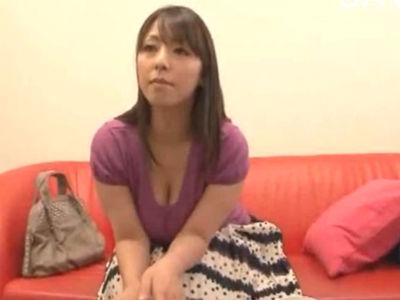 色っぽい爆乳熟女が素人M男性へ自宅訪問してソーププレイ 村上涼子