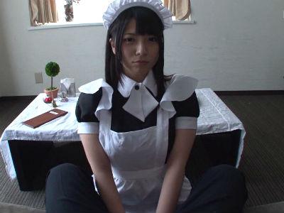 童顔痴女メイドにフェラチオしてもらう主観動画 上原亜衣