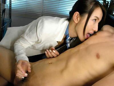 ヒーリングサロンに行ったら美人なエステティシャンがミニスカで誘惑してくる 中川美鈴