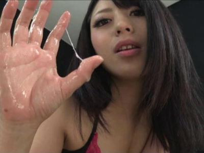 変態ランジェリーの美人お姉さんのキレイな足で勃起チンポを責められるM男 桜井あゆ