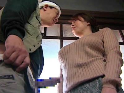 巨乳未亡人が大工を誘惑して肉感ファック! ヘンリー塚本 風間ゆみ