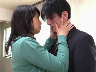 娘夫婦の濃厚キスを目撃した母親が体の疼きを止められずに男を誘惑しはじめる 安野由美 星川麻紀 綾瀬ナミ