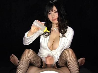 爆乳お姉さんに見つめられエッチな言葉を言われてローション手コキされちゃう 長澤あずさ