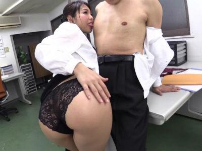 肉感溢れるいやらしい巨尻でM男を悩殺プレイする元グラビアアイドル 神ユキ
