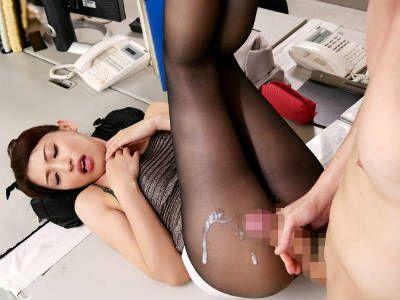 タイトミニに美脚にストッキングでTバックの女教師がエロ過ぎない? 秋山祥子