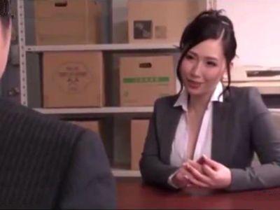痴女っ気溢れる眼鏡秘書のパイズリ奉仕に絶頂 佐山愛