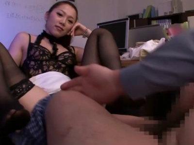 M男の社長をパンスト美脚で弄ぶ美人痴女のエロテクニック 小川あさ美