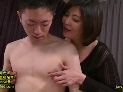淫語と凄テクで若い男たちの精液を吸い尽くすエロ熟女の性欲 円城ひとみ 浅井舞香