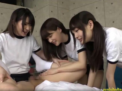 ドSなブルマの美少女3人組からペニバンでアナルを順番に犯される 涼宮琴音 跡美しゅり 麻里梨夏