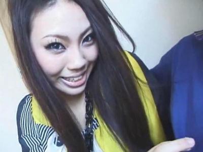 浜の高級キャバ嬢が乳首をチロチロ舐めてからの痴女フェラ! 緋村由衣