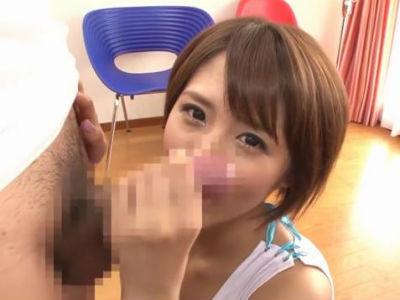 勃起した巨根カメラマンを襲うショートヘアの美女 夏目優希
